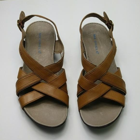 f5fa6ef350ff NWOT MERRELL tan leather bassoon strappy sandal. M 5ab074052c705de4897a0364